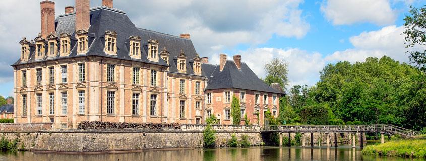 La Sologne et le Val de Loire offrent de nombreuses possibilités de programmes « nature et découverte », randonnées, cyclotourisme, pêche, à proximité des Châteaux de la Loire.