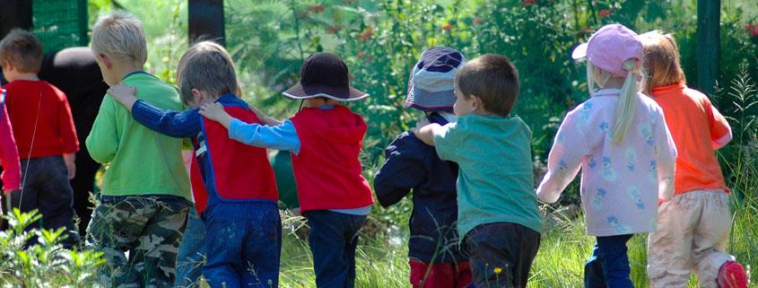 L'équipe éthic étapes Jean Monnet vous propose ses formules « classe de découverte ». Parce que la Sologne est un formidable terrain de jeux doté d'un riche patrimoine naturel, quoi de mieux que de sensibiliser tout en amusant petits et grands… Les élèves de primaire, secondaire, ou de Master trouveront matière à expérimenter…